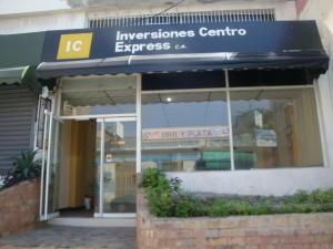 Local Comercial En Alquileren Maracay, Zona Centro, Venezuela, VE RAH: 21-13661