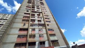 Apartamento En Ventaen Caracas, Caricuao, Venezuela, VE RAH: 21-13680