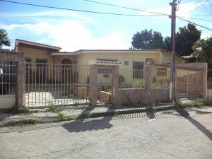 Casa En Ventaen Municipio Los Guayos, Paraparal, Venezuela, VE RAH: 21-13705