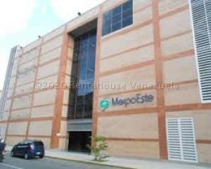 Local Comercial En Alquileren Caracas, Chacao, Venezuela, VE RAH: 21-13736