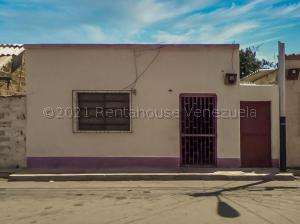 Casa En Ventaen Punto Fijo, Centro, Venezuela, VE RAH: 21-13775