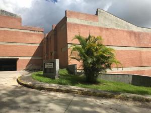 Townhouse En Ventaen Caracas, Villa Nueva Hatillo, Venezuela, VE RAH: 21-13793