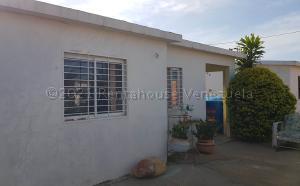 Casa En Ventaen Coro, Sector Los Perozos, Venezuela, VE RAH: 21-13825