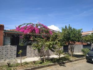 Casa En Ventaen Valencia, Trigal Centro, Venezuela, VE RAH: 21-13833
