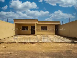Casa En Ventaen Punto Fijo, Puerta Maraven, Venezuela, VE RAH: 21-13840