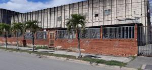 Galpon - Deposito En Ventaen Guarenas, Sector Industrial Cloris, Venezuela, VE RAH: 21-13855