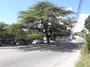 Terreno En Ventaen Barquisimeto, Parroquia El Cuji, Venezuela, VE RAH: 21-13929