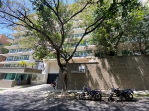 Apartamento En Ventaen Caracas, Campo Alegre, Venezuela, VE RAH: 21-13865