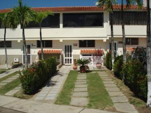 Townhouse En Ventaen Higuerote, Higuerote, Venezuela, VE RAH: 21-13901