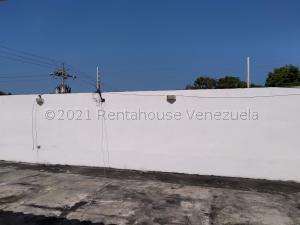 Local Comercial En Ventaen Maracaibo, Avenida Goajira, Venezuela, VE RAH: 21-13923