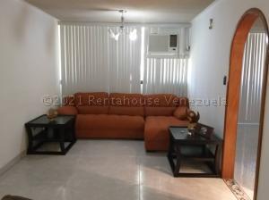 Apartamento En Ventaen Guarenas, Ciudad Casarapa, Venezuela, VE RAH: 21-14011