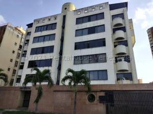 Apartamento En Ventaen Valencia, La Trigaleña, Venezuela, VE RAH: 21-14443
