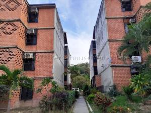 Apartamento En Ventaen Guarenas, Nueva Casarapa, Venezuela, VE RAH: 21-14102