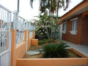 Casa En Ventaen Valencia, Fundacion Mendoza, Venezuela, VE RAH: 21-13997