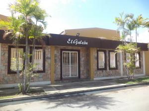 Townhouse En Ventaen Puerto Cabello, Cumboto, Venezuela, VE RAH: 21-14009