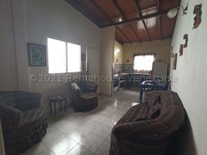 Casa En Ventaen Barquisimeto, Parroquia Tamaca, Venezuela, VE RAH: 21-14099