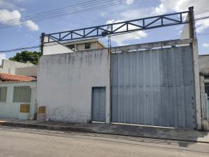 Local Comercial En Ventaen Maracay, La Maracaya, Venezuela, VE RAH: 21-14162