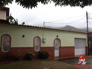 Casa En Ventaen La Victoria, La Mora Ii, Venezuela, VE RAH: 21-14181