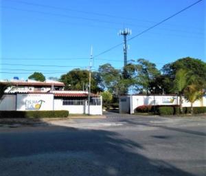 Townhouse En Ventaen Higuerote, Agua Sal, Venezuela, VE RAH: 21-14195