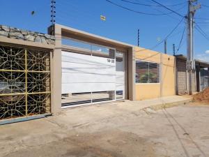 Casa En Ventaen Municipio San Francisco, San Francisco, Venezuela, VE RAH: 21-14190