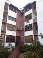 Apartamento En Ventaen Maracaibo, El Varillal, Venezuela, VE RAH: 21-14196