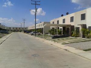 Casa En Ventaen Barquisimeto, Terrazas De La Ensenada, Venezuela, VE RAH: 21-14214