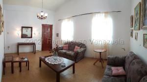 Casa En Ventaen Coro, Sector San Bosco, Venezuela, VE RAH: 21-14231