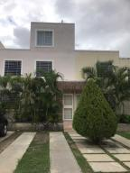 Casa En Ventaen Cabudare, Caminos De Tarabana, Venezuela, VE RAH: 21-14219