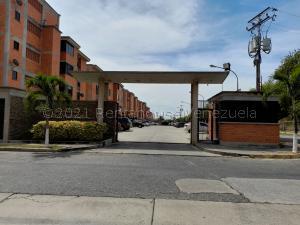 Apartamento En Ventaen Guacara, Ciudad Alianza, Venezuela, VE RAH: 21-14479