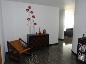 Apartamento En Ventaen Caracas, Los Palos Grandes, Venezuela, VE RAH: 21-14484