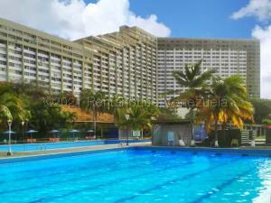 Apartamento En Ventaen Parroquia Caraballeda, Los Corales, Venezuela, VE RAH: 21-14391