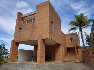 Casa En Ventaen Caracas, Alto Hatillo, Venezuela, VE RAH: 21-14451