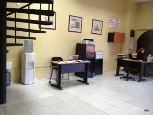 Local Comercial En Ventaen Maracaibo, Padilla, Venezuela, VE RAH: 21-14456