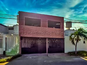 Casa En Ventaen Punto Fijo, Puerta Maraven, Venezuela, VE RAH: 21-14445