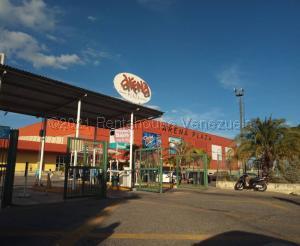 Local Comercial En Alquileren Barquisimeto, Zona Este, Venezuela, VE RAH: 21-14435