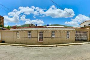 Casa En Ventaen La Victoria, Bolivar Sur, Venezuela, VE RAH: 21-14521