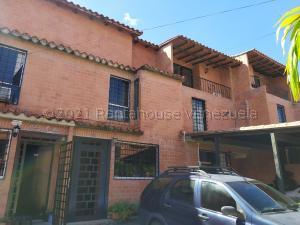 Townhouse En Ventaen Guatire, El Encantado Ii, Venezuela, VE RAH: 21-19340