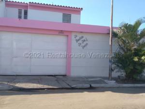 Casa En Ventaen Valencia, Flor Amarillo, Venezuela, VE RAH: 21-5246
