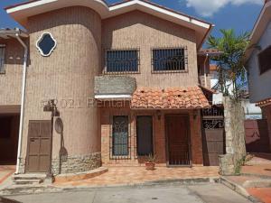 Townhouse En Ventaen Maracay, Barrio Sucre, Venezuela, VE RAH: 21-11632