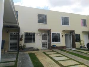 Casa En Ventaen Barquisimeto, Terrazas De La Ensenada, Venezuela, VE RAH: 21-14597