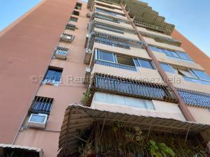 Apartamento En Alquileren Parroquia Caraballeda, Palmar Este, Venezuela, VE RAH: 21-14590