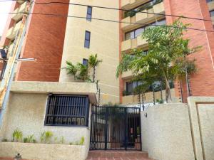Apartamento En Ventaen Maracaibo, Avenida Bella Vista, Venezuela, VE RAH: 21-14605