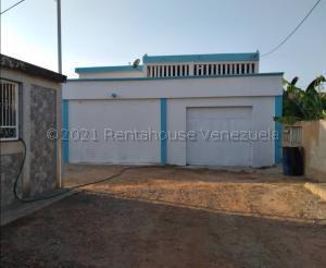 Casa En Ventaen Ciudad Ojeda, Los Samanes, Venezuela, VE RAH: 21-12624