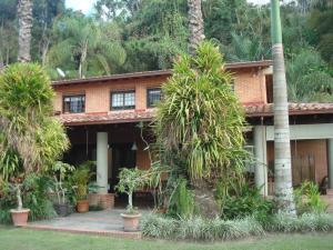 Casa En Ventaen Caracas, Alto Hatillo, Venezuela, VE RAH: 21-14687