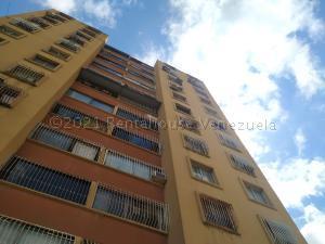 Apartamento En Ventaen Valencia, Las Chimeneas, Venezuela, VE RAH: 21-14840