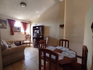 Apartamento En Ventaen Municipio San Francisco, Via Principal, Venezuela, VE RAH: 21-14788