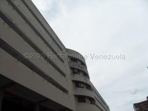 Apartamento En Ventaen Municipio Naguanagua, Los Guayabitos, Venezuela, VE RAH: 21-14802