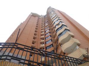 Apartamento En Ventaen Valencia, La Trigaleña, Venezuela, VE RAH: 21-14819