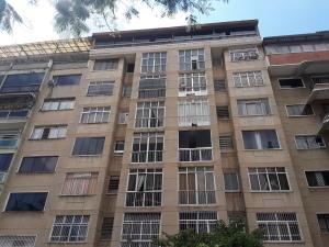 Apartamento En Alquileren Caracas, Bello Campo, Venezuela, VE RAH: 21-14848