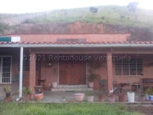Casa En Ventaen Caracas, Karimao Country, Venezuela, VE RAH: 21-14856